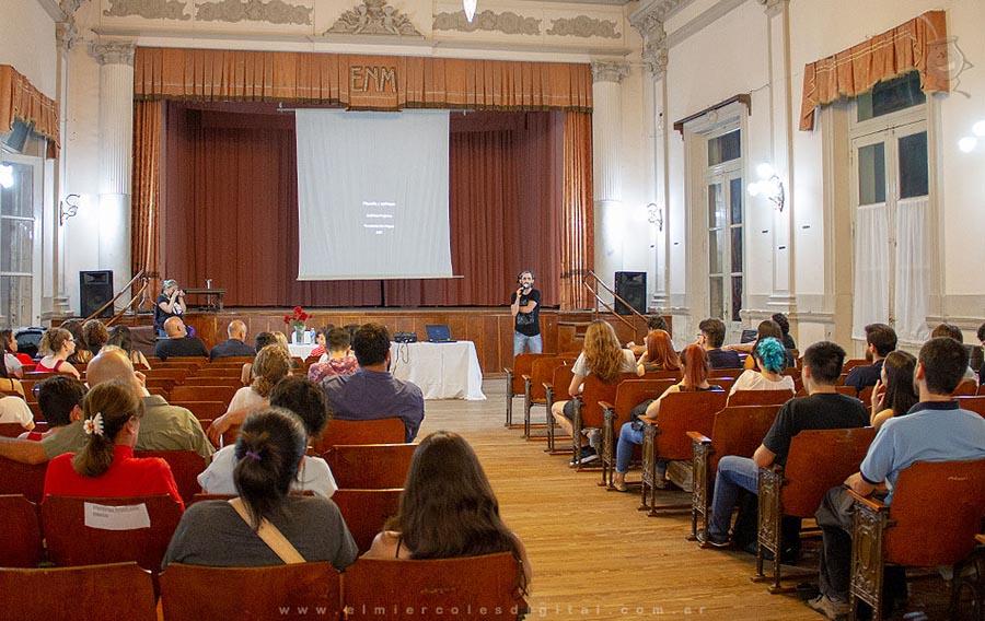 """Concepción del Uruguay: el """"Día de la Filosofía"""" se celebró a pleno en la Escuela Normal - Análisis Digital"""