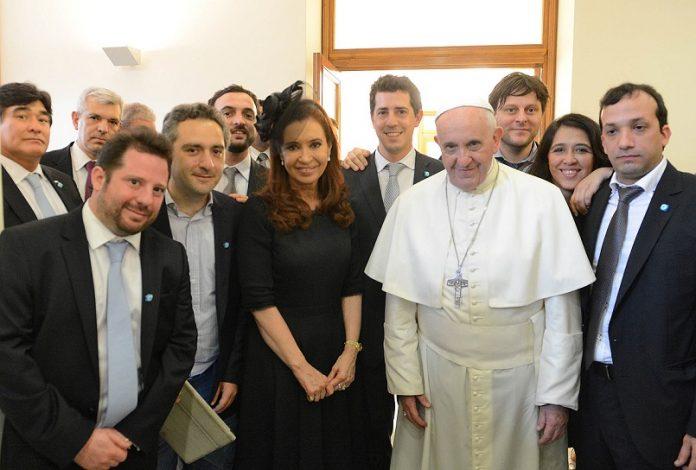 El papa pidió a los jóvenes prestar atención a los ancianos en la pandemia
