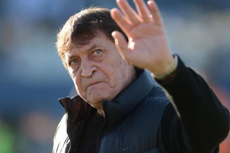 Julio Falcioni dejará la dirección técnica para asumir en enero como mánager en Banfield