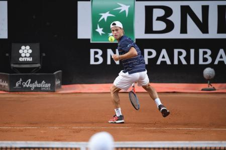 Tenis: Schwartzman avanzó a cuartos de final en Roma, donde se las verá con Nadal
