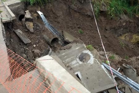 puente calle Moreno desmoronado (Foto: Facebook Andrea Camejo)