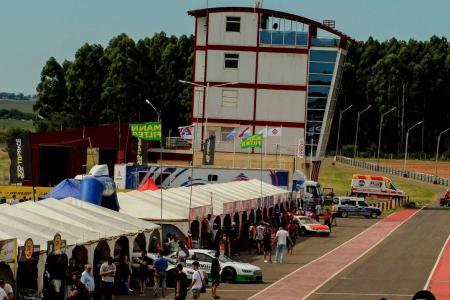 Concepción del Uruguay ya vive la segunda fecha de la temporada del Top Race