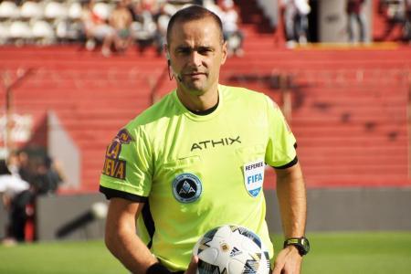 Diego Abal será el árbitro para Gimnasia-Patronato en la vuelta del fútbol argentino