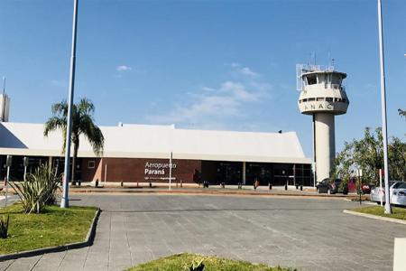 La reanudación del transporte regular aéreo de cabotaje comercial y automotor de pasajeros será durante noviembre, y el gobierno provincial está coordinando las acciones en materia sanitaria y de controles.