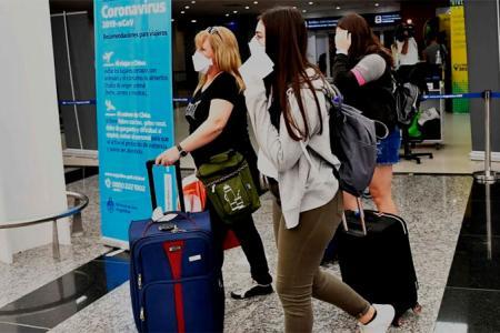aeropuerto turistas