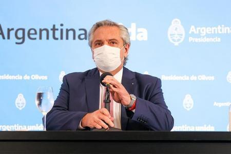 """Alberto Fernández: """"Agradezco a todos y a todas que me ayuden en este momento minimizando la circulación y los encuentros sociales""""."""