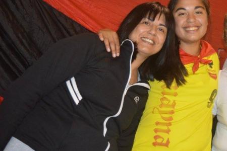 Andrea Lescano junto a Micaela García