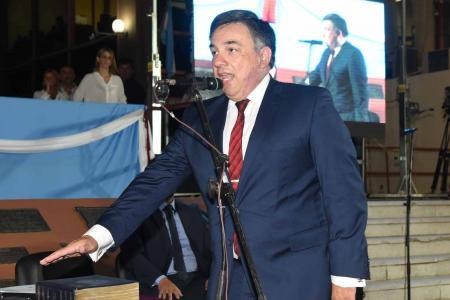 Martín Oliva asume como intendente