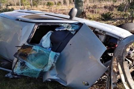 Además de tres personas detenidas, se secuestró un automóvil y drogas fraccionada para la venta.