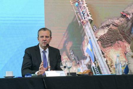 Bahl expuso las acciones para mitigar los problemas que provoca la bajante del río Paraná