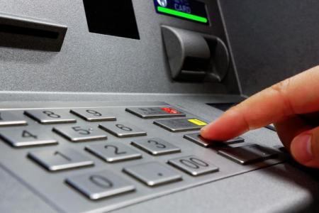 Crearán un Programa de Inclusión y Capacitación Digital bancaria para adultos mayores
