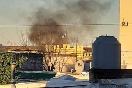 Desde fuera de la UP 4 se observó humo y se escucharon gritos y detonaciones de las armas de los guardias.