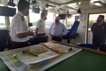 Convenio con CARU: la Armada iniciará mantenimiento en el balizamiento del río Uruguay