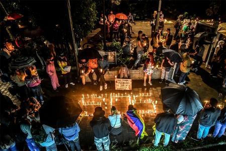 Vigilia y protesta contra el gobierno de Duque en Medellín.