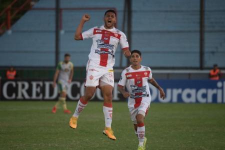 Talleres de Remedios Escalada sorprendió a Aldosivi en la Copa Argentina