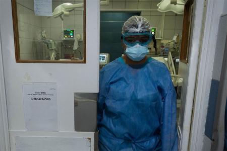 El Ministerio de Salud de la Nación informó este domingo que, en las últimas 24 horas, se registraron 61 muertes y 622 nuevos contagios de coronavirus.