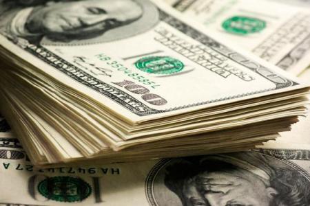 """Bloquean cuentas por incremento """"inusual"""" de transferencias de dólares"""