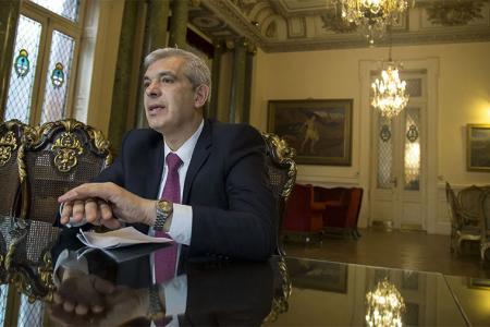 Julián Domínguez ya desempeñó el cargo de Ministro de Agricultura entre 2009 y 2011, durante el mandato de Cristina Fernández de Kirchner.