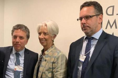 Imagen de archivo de Dujovne y Sandleris cuando se reunieron con Christine Lagarde en Japón.