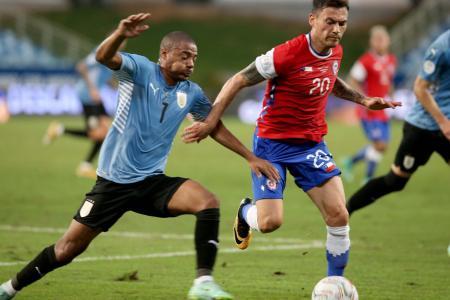 Copa América: Chile empató con Uruguay y se aseguró un lugar en cuartos de final