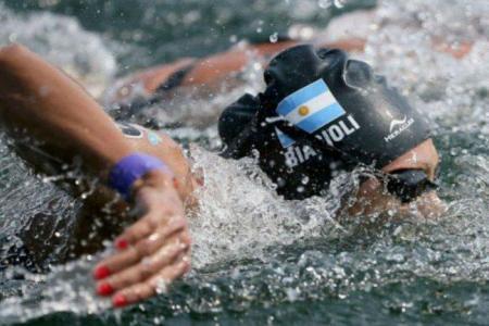 Aguas Abiertas: Cecilia Biagioli mejoró su marca olímpica y se ubicó duodécima
