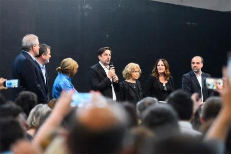 Nicolás Trotta, nuevo ministro de Educación nacional, junto a su equipo de trabajo.