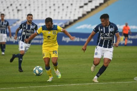 Rosario Central venció a Godoy Cruz y mantiene sus chances en la Zona 3