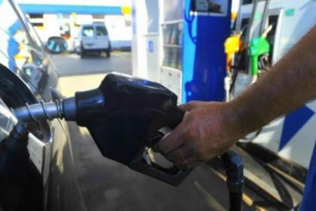 """Alberto Fernández anticipó que el precio de los combustibles """"se va a mantener"""""""