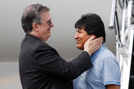 Evo Morales y el canciller mexicano