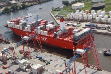 La balanza comercial argentina acumula trece meses consecutivos de superávit
