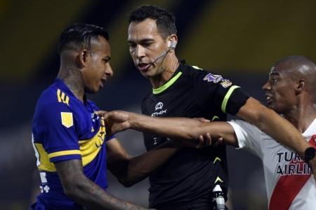 Facundo Tello dirigirá el superclásico en los cuartos de la Copa de la Liga Profesional