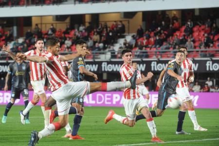 Estudiantes le empató en el final a Atlético Tucumán, el próximo rival de Patronato
