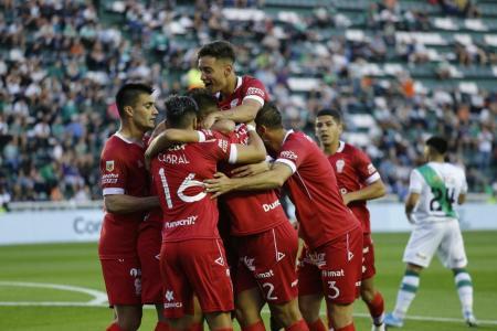 Huracán goleó a Banfield a pocos días del clásico con San Lorenzo