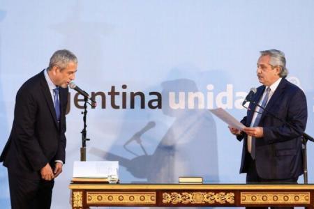 Jorge Ferraresi al jurar como ministro