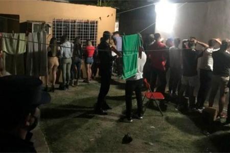 Más de 35 jóvenes participaron de una fiesta clandestina en Chajarí.
