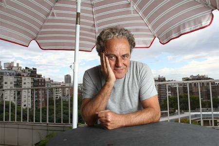 Forn fue el primer director del Suplemento Radar de Página/12, creado en 1996.