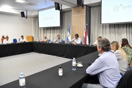 Bordet y diputados del PJ avanzaron en la agenda legislativa