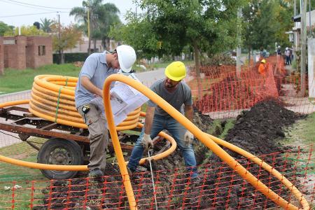 Gasoductos centrales, redes domiciliarias, y la provisión del servicio a parques industriales y termas forman parte del plan que lleva adelante la provincia con recursos propios.