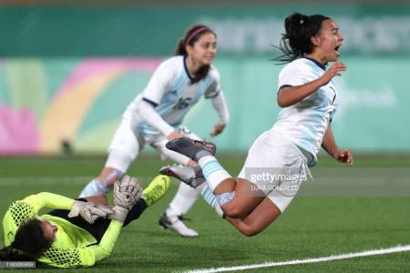 Citaron a las entrerrianas Yael Oviedo y Soledad Jaimes a la selección femenina de fútbol