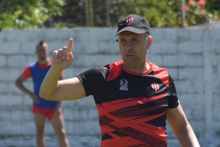 """""""De Diego, además del don futbolístico, valoro que transmitía"""", expresó el DT de Patronato"""
