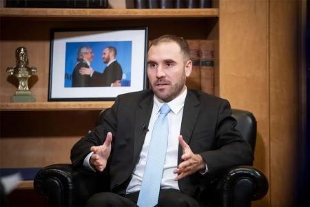 """El ministro de Economía, Martín Guzmán, dio detalles sobre la negociación de la deuda, habló del proyecto de """"armonización"""" tributaria y fijó su punto de vista sobre la doble indemnización y la prohibición de despidos."""