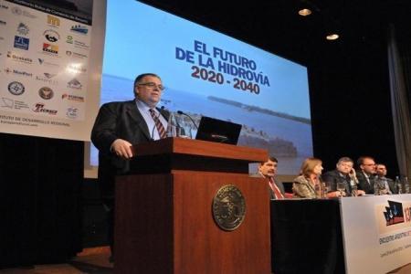 Se realiza una cumbre en Rosario por el futuro de la Hidrovía