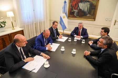 Alberto Fernández con Bordet, Perotti e Insfrán