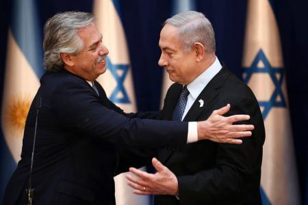 El presidente Alberto Fernández y el primer ministro israelí, Benjamin Netanyahu.