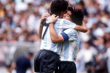"""Burruchaga: """"Se nos va un compañero, un amigo, un líder y el mejor jugador del mundo"""""""