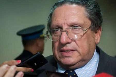 El exjuez federal José Antonio Solá Torino se suicidó en Salta capital entre las últimas horas del viernes y la madrugada de hoy, cuando iba a ser detenido por sus vínculos con el narcotráfico.