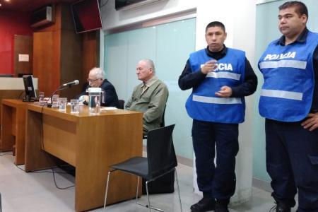 Ricardo Aldao en el banquillo por mala praxis