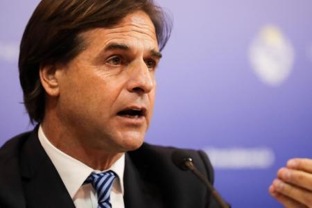 """Uruguay volverá a un """"cierre parcial de fronteras"""""""
