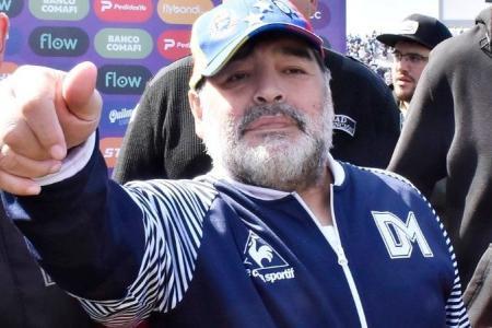 Marcha atrás: Diego Maradona seguirá siendo el DT de Gimnasia La Plata