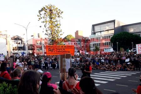 Paraná se sumó a la marcha por el Día de la Mujer Trabajadora